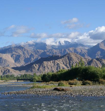 Paysage Ladakh voyage avec Lhamo et Omalaya