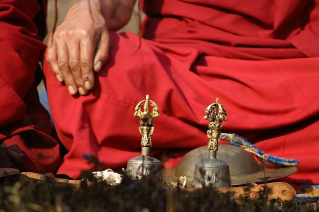 Moine bouddhiste chapelet