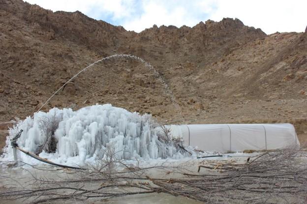 Construction de stupas de glace