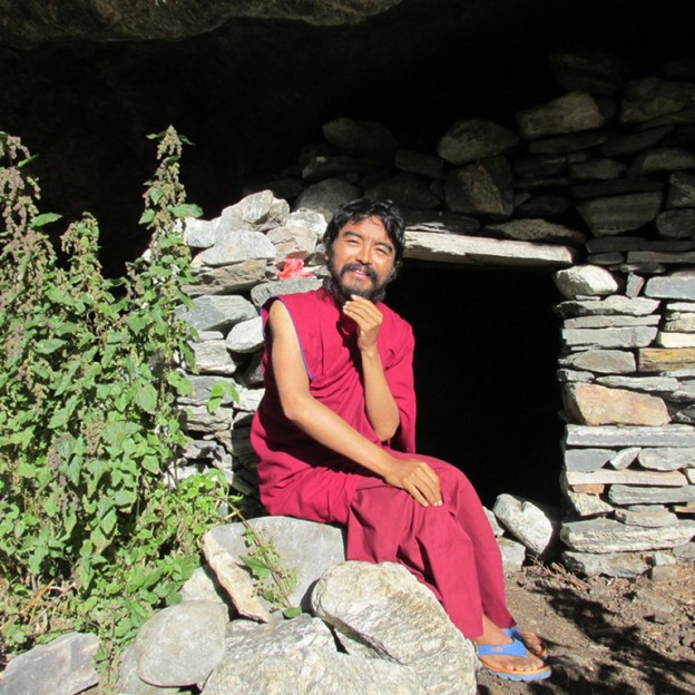 mingyur rinpoche outside cave