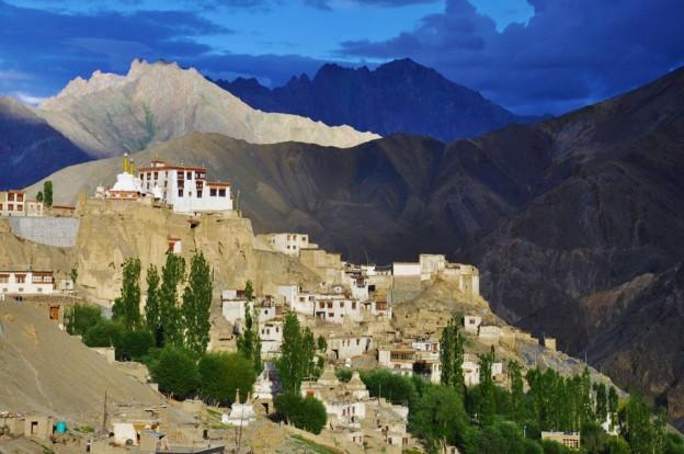 ladakh atisey monastere