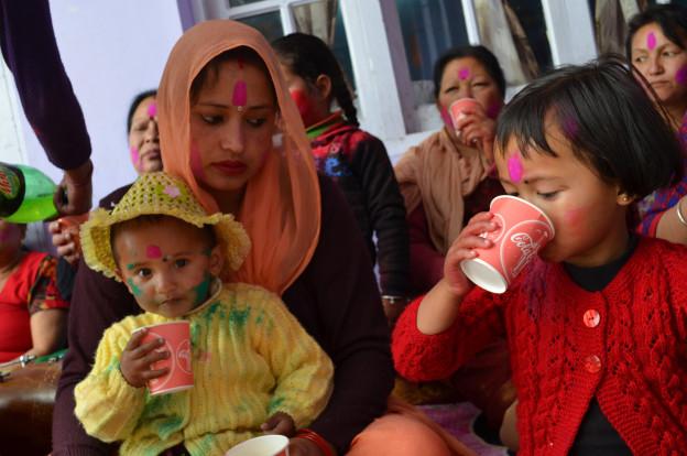 Holi function / Au cœur de Holi à Rishikesh avec Omalaya